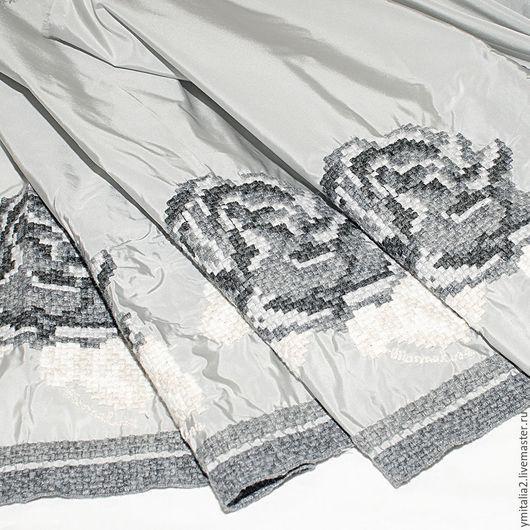 Шитье ручной работы. Ярмарка Мастеров - ручная работа. Купить Шелк-тафта с вышивкой РОЗЫ от  MONNALISA. Handmade. Серый