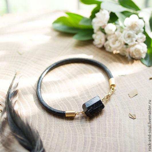 Браслеты ручной работы. Ярмарка Мастеров - ручная работа. Купить Кожаный браслет с шерлом (черным турмалином).. Handmade. Черный