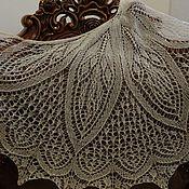 Аксессуары ручной работы. Ярмарка Мастеров - ручная работа Шаль из 100% шерсти, ажурная, песочно-бежевая. Handmade.