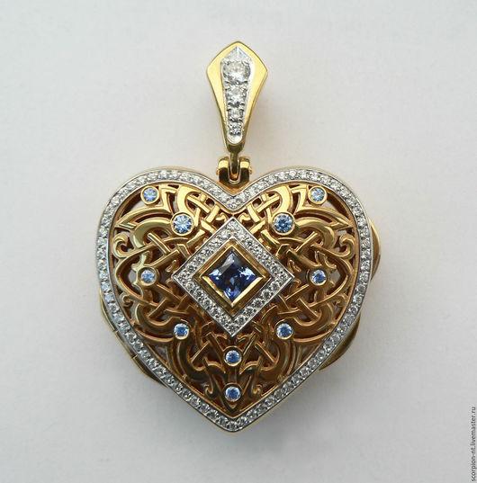 Кулон серебряный с позолотой и фианитами Сердце с секретом. Внутрь вкладывается каменное сердечко. высота 40, ширина 30 миллиметров.