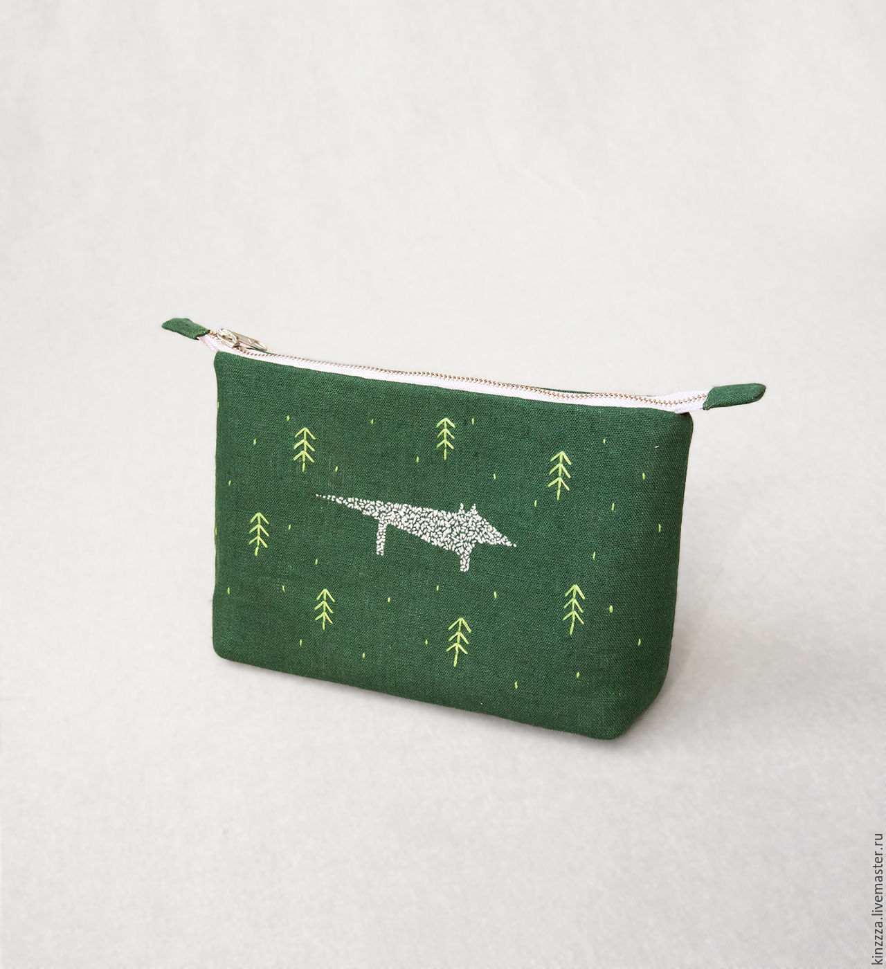 Green linen wolf in the forest cosy cosmetic bag. Hand embroidery, Beauticians, Kharkiv,  Фото №1