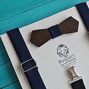 Аксессуары ручной работы. Ярмарка Мастеров - ручная работа Деревянная бабочка галстук темно синяя винтажной формы + подтяжки. Handmade.