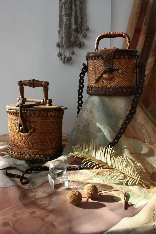 Небольшая, оригинальная, уютная и вместительная сумочка, обладательница эргономичной формы ищет свою хозяйку!