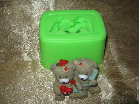 Силиконовая форма `Мишки Тедди love` для изготовления мыла, гипсовых фигурок.