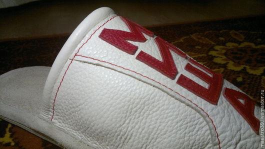 Обувь ручной работы. Ярмарка Мастеров - ручная работа. Купить тапочки именные-миша.. Handmade. Белый, натуральная кожа