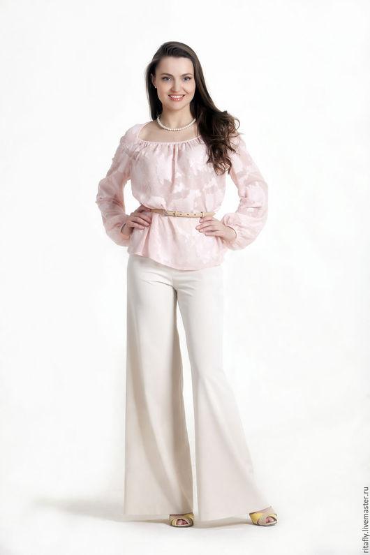 женские летние брюки клеш, белого цвета. Широкие женские брюки с классической посадкой
