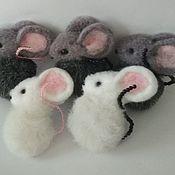 Подарки на 8 марта ручной работы. Ярмарка Мастеров - ручная работа Брошка Мышка. Handmade.