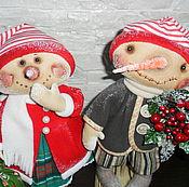 Куклы и игрушки ручной работы. Ярмарка Мастеров - ручная работа Кукла. Парочка Снеговичков в колпачках. Handmade.