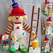 """Мягкие игрушки ручной работы. Ярмарка Мастеров - ручная работа """"Клоун Маляр"""" большая вязаная интерьерная игрушка. Handmade."""