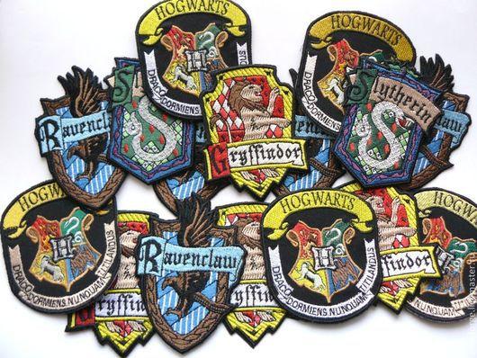 Ролевые игры ручной работы. Ярмарка Мастеров - ручная работа. Купить Нашивки учеников Хогвартса (Слизерин, Когтевран, Гриффиндор, Хогвартс). Handmade.