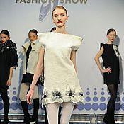 Одежда ручной работы. Ярмарка Мастеров - ручная работа Дизайнерское платье белое, валяное, с цветами. Handmade.