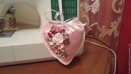 Персональные подарки ручной работы. Ярмарка Мастеров - ручная работа. Купить любящее сердце. Handmade. Розовое сердце, атласные ленты