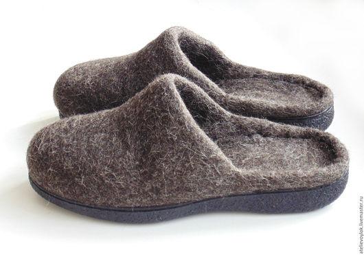 Обувь ручной работы. Ярмарка Мастеров - ручная работа. Купить Мужские тапки из некрашеной шерсти, на подошве, 43 р. готовая пара. Handmade.