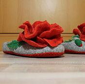 """Тапочки ручной работы. Ярмарка Мастеров - ручная работа Тапочки женские, валяные """"Маки"""". Handmade."""