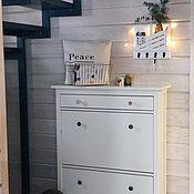 Для дома и интерьера handmade. Livemaster - original item Housekeeper: White wall-mounted Key holder shelf with hooks. Handmade.