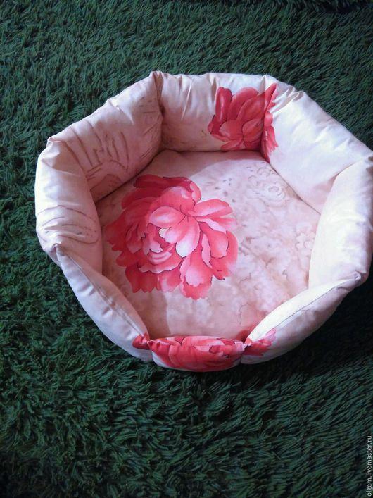 Аксессуары для кошек, ручной работы. Ярмарка Мастеров - ручная работа. Купить Лежанка со съемной подушкой. Handmade. Лежанка для кошки