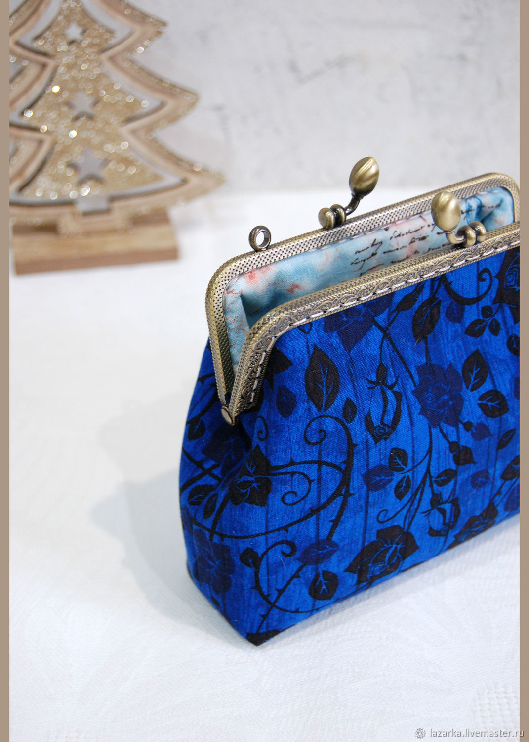 Cosmetic bag with clasp ' Winter rose', Beauticians, Vladimir,  Фото №1