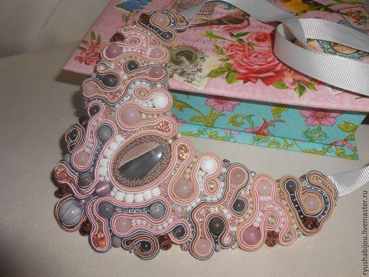 """Колье, бусы ручной работы. Ярмарка Мастеров - ручная работа. Купить Колье из камней и бисера """" В розовой дымке"""". Handmade."""