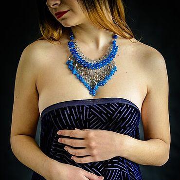 Украшения ручной работы. Ярмарка Мастеров - ручная работа Колье под синее голубое платье. Короткие бусы из камней. Handmade.