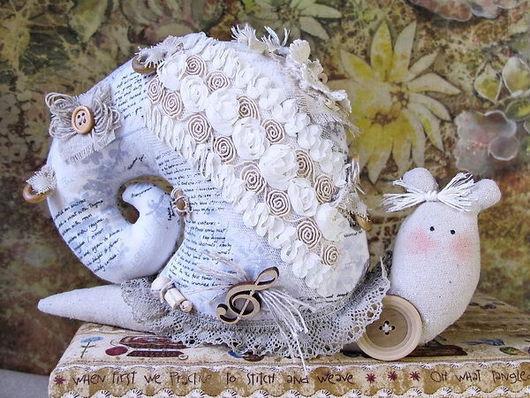 Куклы Тильды ручной работы. Ярмарка Мастеров - ручная работа. Купить Тильда Улитка в бохо-стиле Муза вдохновения. Handmade.