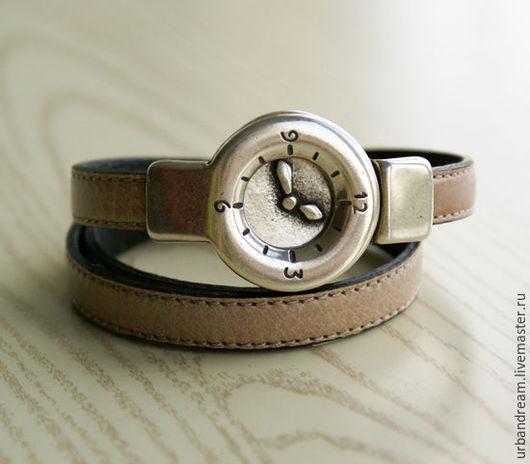 """Браслеты ручной работы. Ярмарка Мастеров - ручная работа. Купить Кожаный браслет  """"Часы"""" бежевый ремешок. Handmade. Коричневый, unisex"""