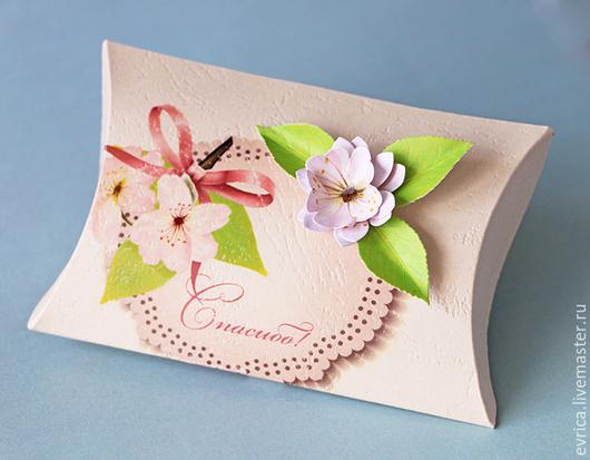 """Подарочная упаковка ручной работы. Ярмарка Мастеров - ручная работа. Купить """"Спасибо!"""" упаковка. Handmade. Бежевый, цветы, бумага"""