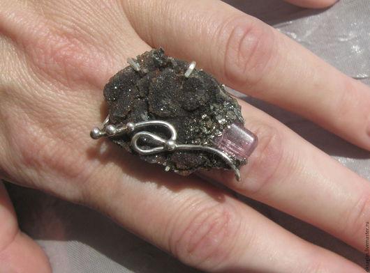"""Кольца ручной работы. Ярмарка Мастеров - ручная работа. Купить Кольцо """"Завиток"""". Handmade. Комбинированный, кольцо с халцедоном"""