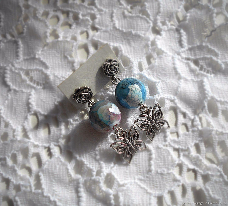 Earrings \
