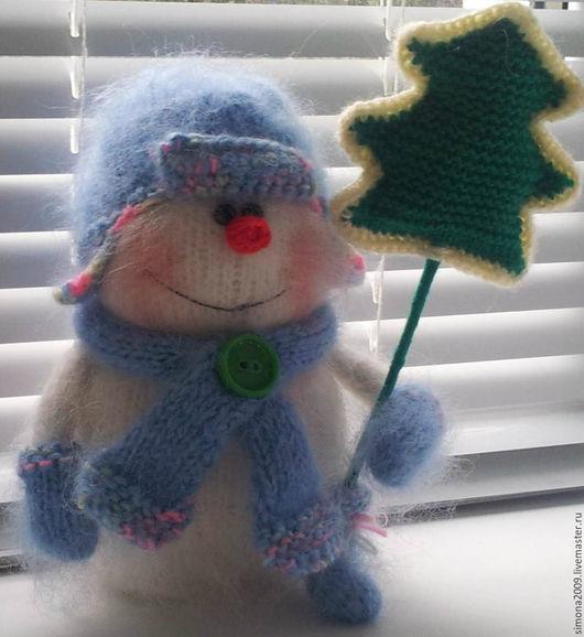 Новый год 2017 ручной работы. Ярмарка Мастеров - ручная работа. Купить Снеговик Праздник к нам приходит!-пушистый новогодний сувенир на 2017г. Handmade.