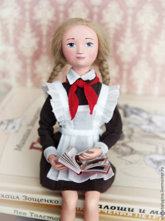 Коллекционные куклы ручной работы. Ярмарка Мастеров - ручная работа. Купить Кукла школьница Таня - авторская кукла ручной работы (18 см). Handmade.