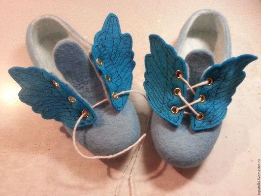 Обувь ручной работы. Ярмарка Мастеров - ручная работа. Купить валяные кеды Крылья. Handmade. Голубой, тапочки домашние