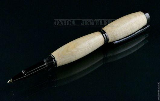 Шикарная подарочная ручка ручной работы. Для изготовления ручки было принято решение использовать стабилизированную древесину  Клёна, и результат приятно удивил.