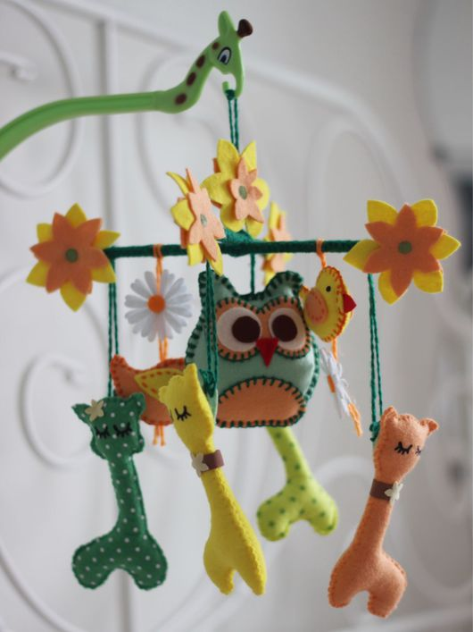 """Развивающие игрушки ручной работы. Ярмарка Мастеров - ручная работа. Купить Мобиль в кроватку """"Краски лета"""". Handmade. Мобиль"""