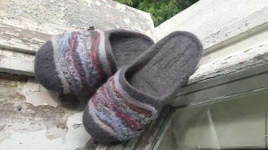 """Обувь ручной работы. Ярмарка Мастеров - ручная работа. Купить Тапочки валяные мужские """"Полосатая жизнь"""". Handmade. Серый"""