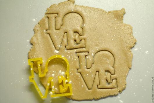 """Кухня ручной работы. Ярмарка Мастеров - ручная работа. Купить Форма для пряников и печенья """"Love"""". Handmade. Желтый, форма для выпечки"""