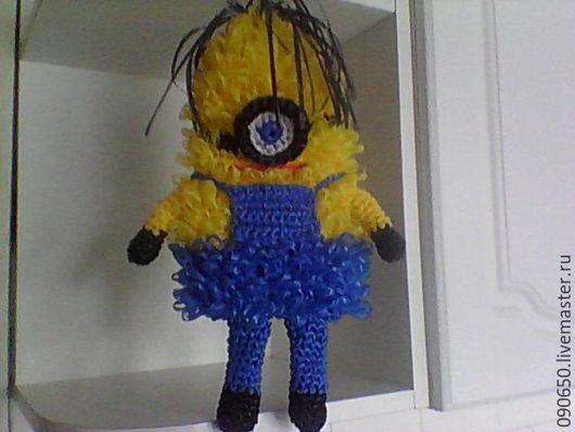 Миньон , популярная игрушка из мультиков , хороший подарок  , можно использовать как игрушку , мочалку ( одеть на руку ) или как аксессуар . Скидки
