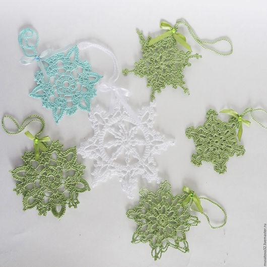 Подвески ручной работы. Ярмарка Мастеров - ручная работа. Купить Снежинки вязаные подвески, игрушки на ёлку. Handmade. Комбинированный, салфетки