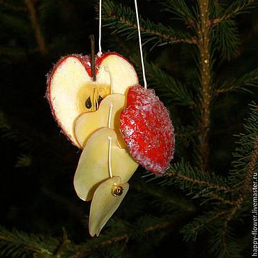 """Подарки к праздникам ручной работы. Ярмарка Мастеров - ручная работа Игрушка на ёлку """"Красное яблоко"""". Handmade."""