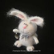 Куклы и игрушки ручной работы. Ярмарка Мастеров - ручная работа Вязаный Белый кролик (без Алисы). Handmade.
