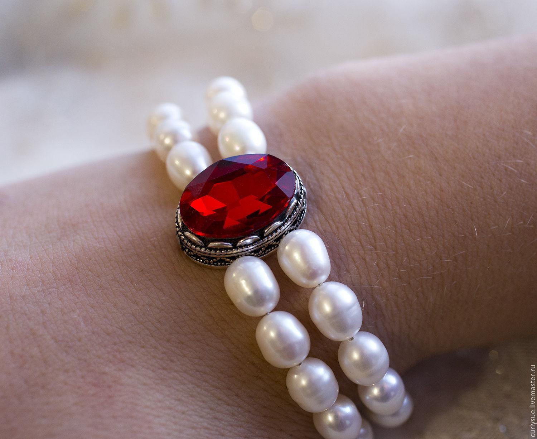 Комплект из натурального жемчуга с красными кристаллами