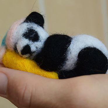 Куклы и игрушки ручной работы. Ярмарка Мастеров - ручная работа Валяная игрушка: Спящая панда. Handmade.