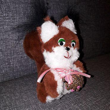 Куклы и игрушки ручной работы. Ярмарка Мастеров - ручная работа Белочка с шишкой мягкая игрушка. Handmade.