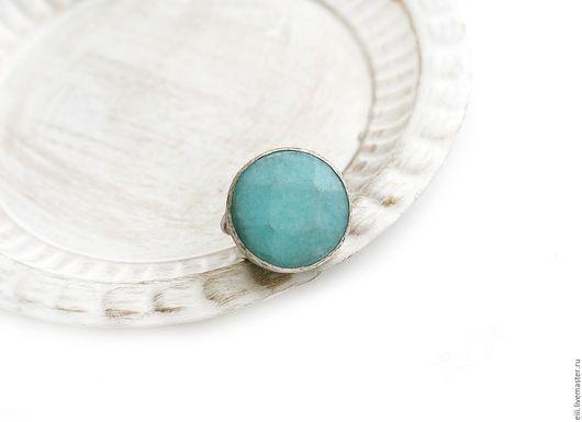 Кольца ручной работы. Ярмарка Мастеров - ручная работа. Купить Круглое кольцо с нефритом голубого цвета. Handmade. Подарок, латунь