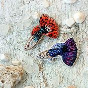 Украшения ручной работы. Ярмарка Мастеров - ручная работа Брошь вышитая рыбка Гуппи. Handmade.