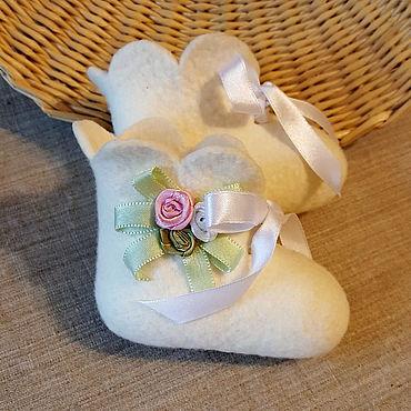 Обувь ручной работы. Ярмарка Мастеров - ручная работа Пинетки для новорожденной девочки. Handmade.