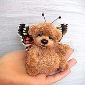 Куклы и игрушки ручной работы. Ярмарка Мастеров - ручная работа Мишка вязаный бабочка-крапивница. Handmade.