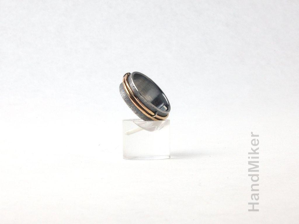 Кольца ручной работы. Ярмарка Мастеров - ручная работа. Купить Серебряное кольцо с подвижными золотыми элементами 'Mobilis in mobili'. Handmade.