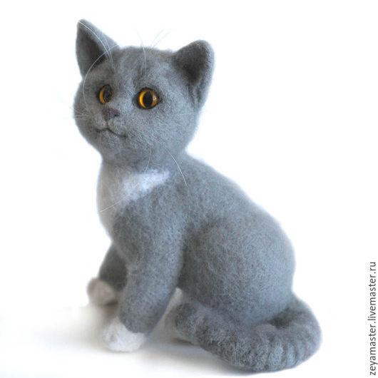 Игрушки животные, ручной работы. Ярмарка Мастеров - ручная работа. Купить Серый котенок британской породы Бантик. Игрушка из шерсти. Handmade.