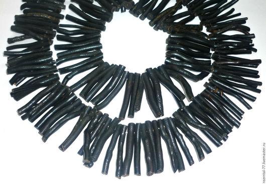 Бусины из натурального тонированного черного коралла, природной формы. 2-7х35-42 мм