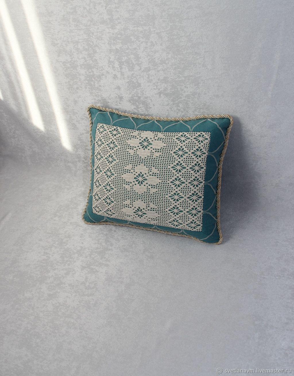 Бирюзовая подушка с кружевом, Подушки, Королев,  Фото №1